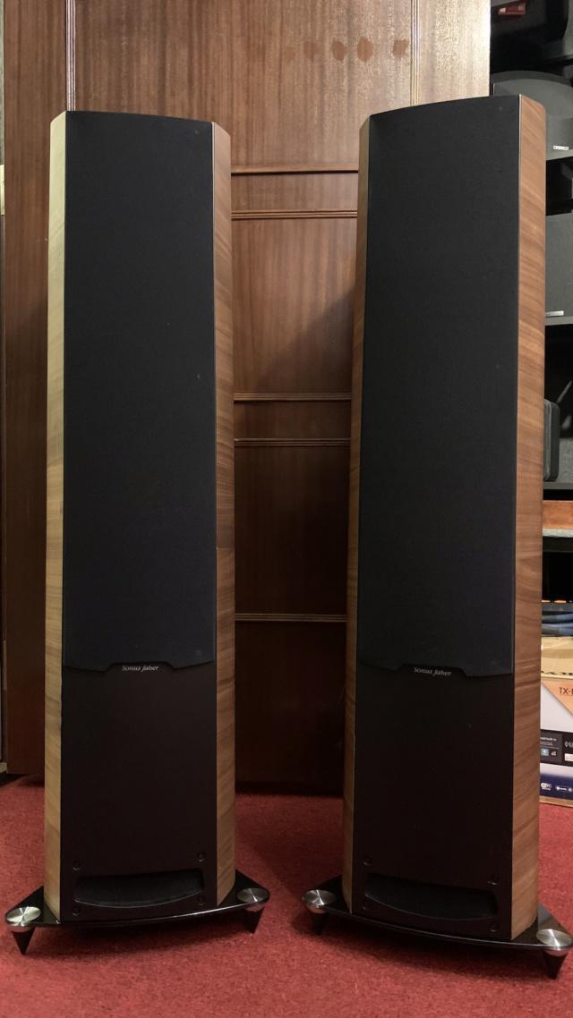 Sonus Faber Venere 3.0 Floorstanding Speaker (Used) Img_3537