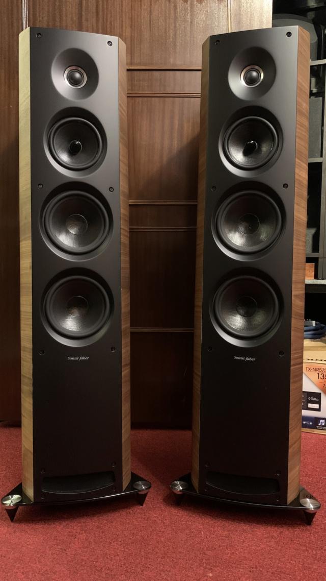 Sonus Faber Venere 3.0 Floorstanding Speaker (Used) Img_3538