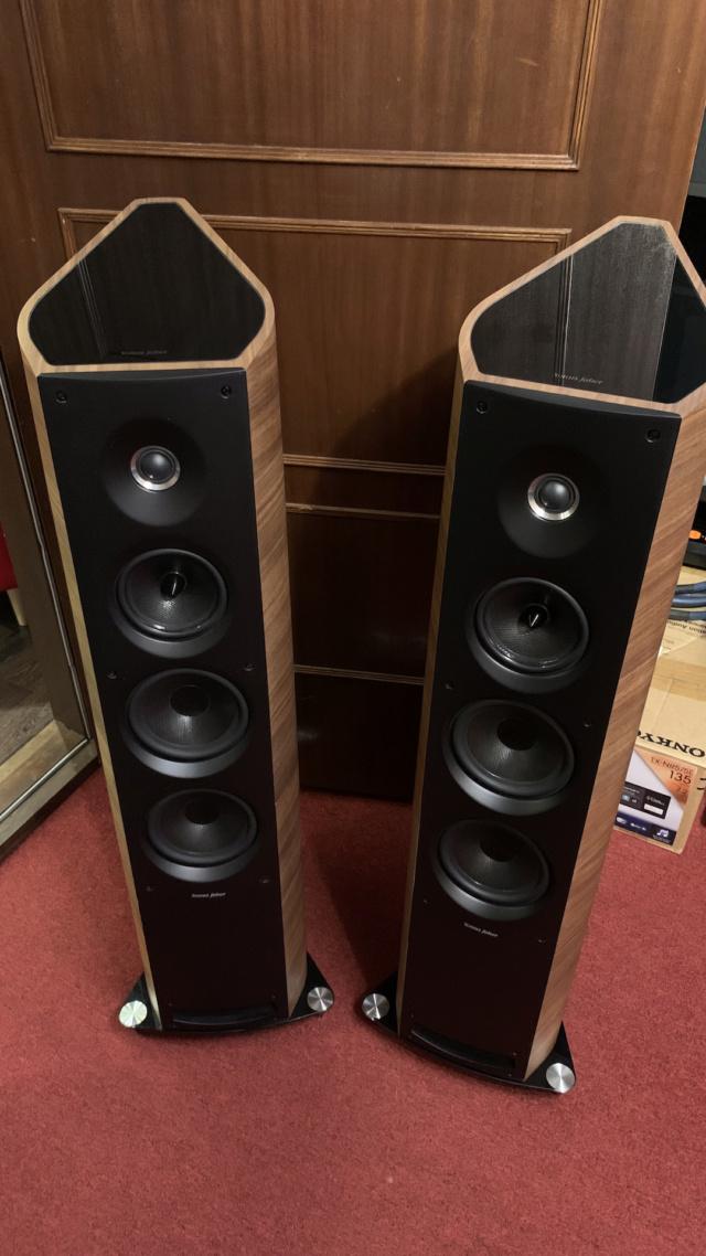 Sonus Faber Venere 3.0 Floorstanding Speaker (Used) Img_3610