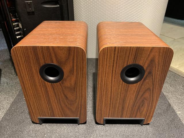 Q-Acoustics 2010i Bookshelf Speaker With Box (Used) SOLD Img_6914