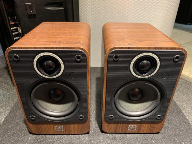 Q-Acoustics 2010i Bookshelf Speaker With Box (Used) SOLD Img_6915