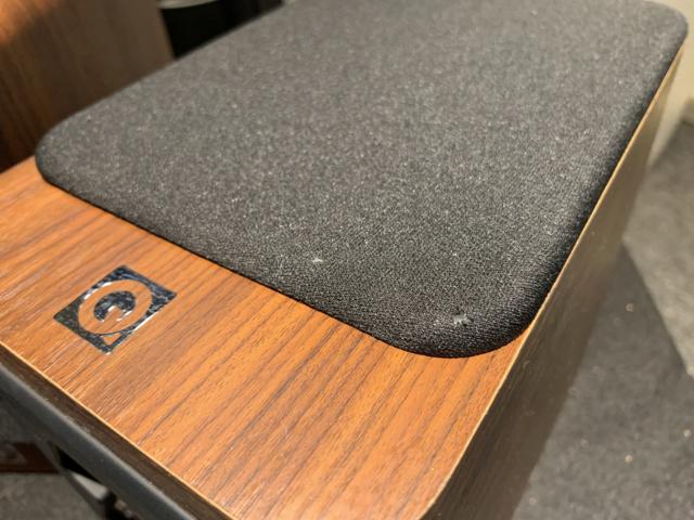 Q-Acoustics 2010i Bookshelf Speaker With Box (Used) SOLD Img_6917