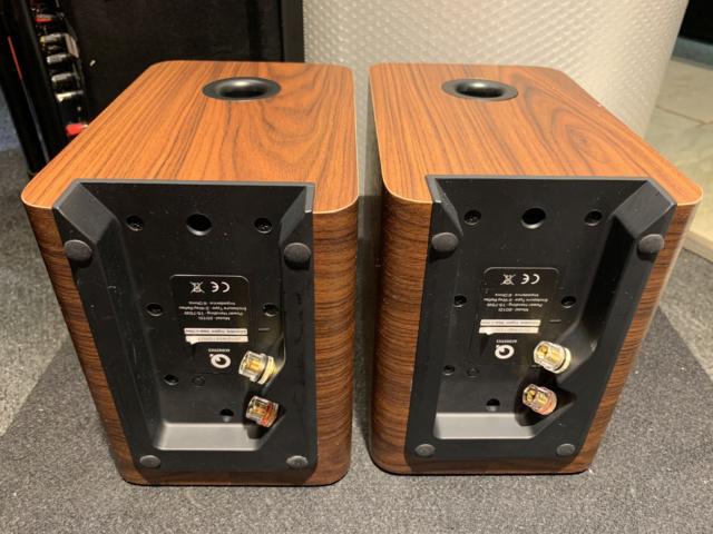 Q-Acoustics 2010i Bookshelf Speaker With Box (Used) SOLD Img_6918