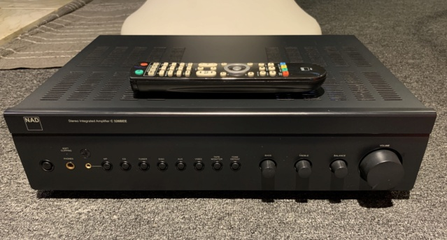 NAD C326BEE Stereo Integrated Amplifier (Used) Img_8414