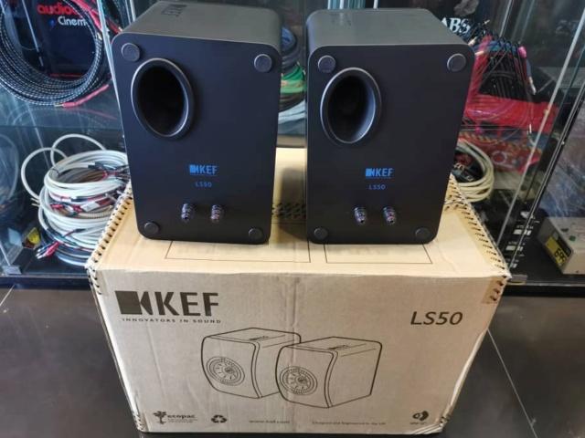 KEF LS50 Bookshelf Speaker (Used) Whats104