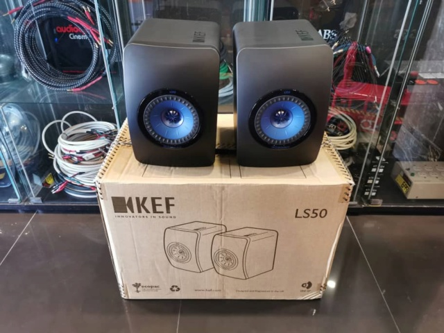 KEF LS50 Bookshelf Speaker (Used) Whats105