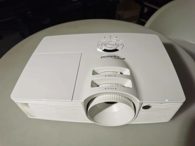 Optoma HD26 Dlp Projector (used) Whatsa32