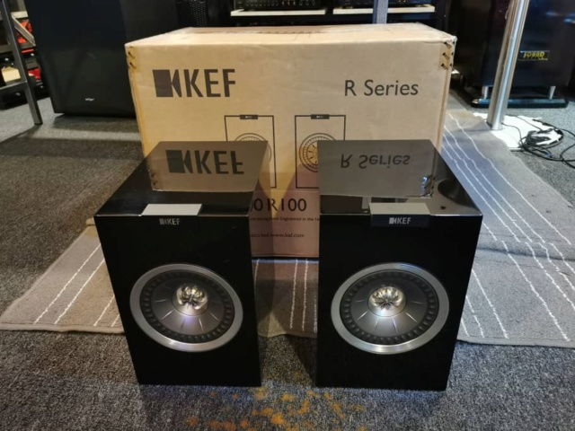 KEF R100 Bookshelf Speaker (Used) Whatsa89