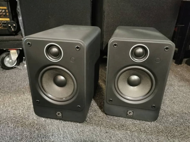 Q-Acoustics 2020 Bookshelf Speaker (Used) SOLD Whatsa93