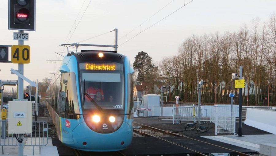 Nantes. le givre bloque le train-tram 419dfe10