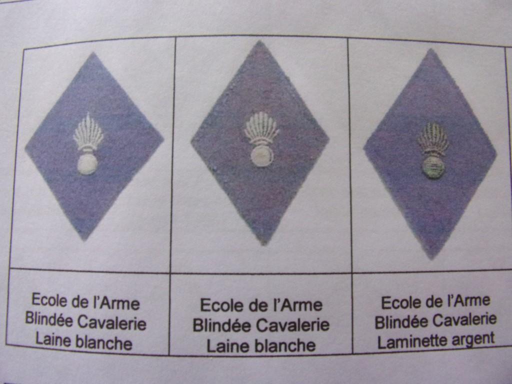 Identification insignes , pattes de col. 105_0813