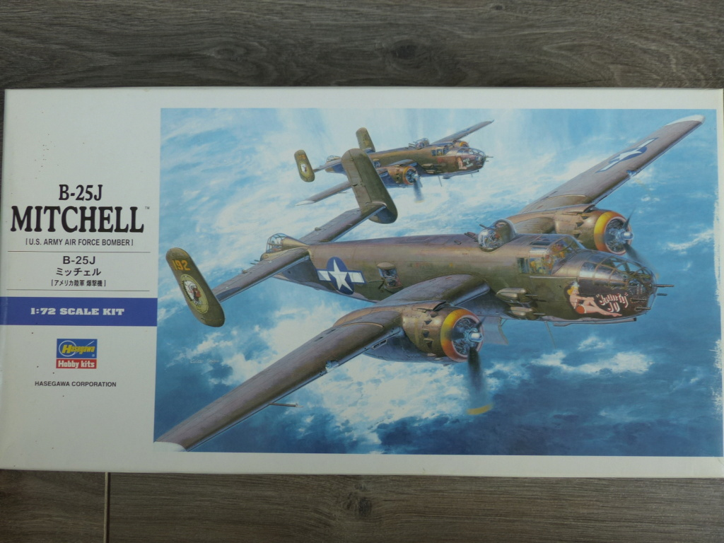 [Hasegawa] B-25J Mitchell 345th BG P1030155
