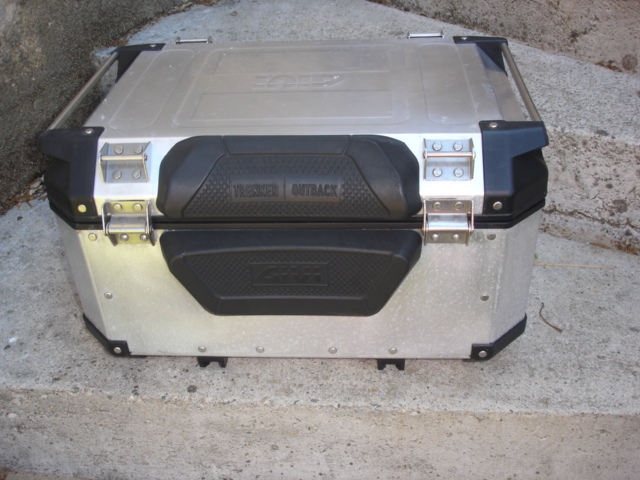 (VDS)TOP CASE GIVI TREKKER 58L Dsc04120