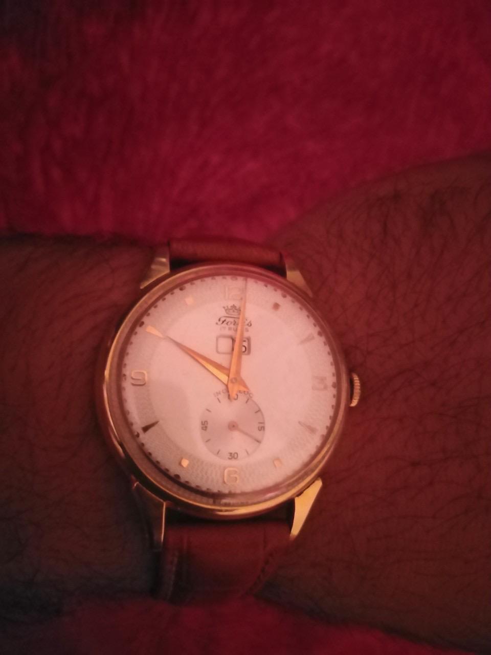 ZENITH -  [Postez ICI les demandes d'IDENTIFICATION et RENSEIGNEMENTS de vos montres] - Page 28 8a2fca10