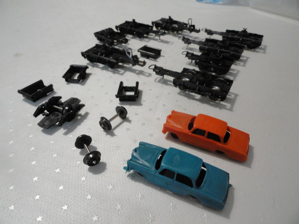 Lot de pièces détachées LIMA boggies roues ... 8 euros le lot Dsc02111