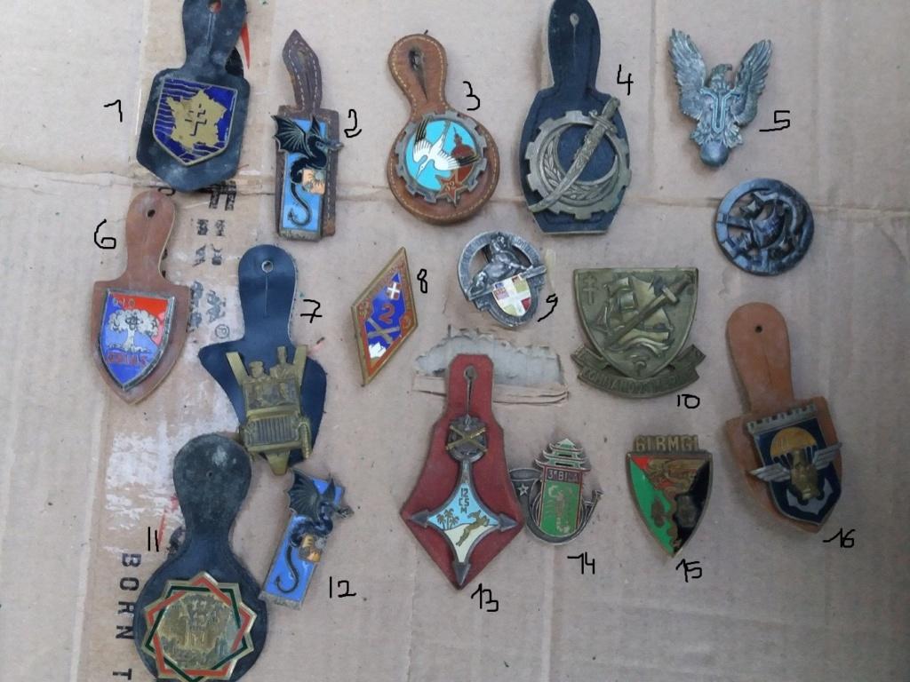 Lot d'insignes à identifier  3ns010