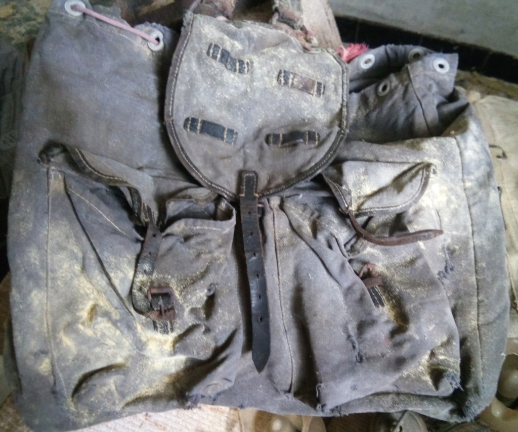 2 sacs à identifier.... Img_2010