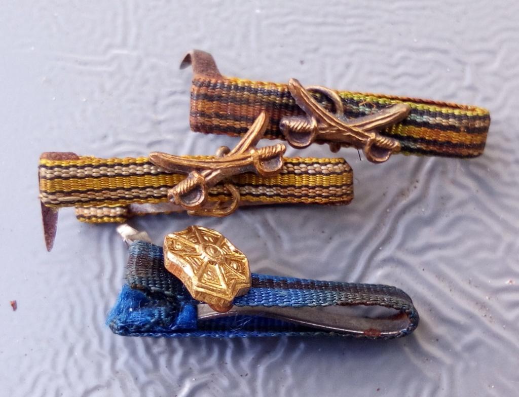 Boutonnières de décorations et insignes belges à identifier. Img_2259
