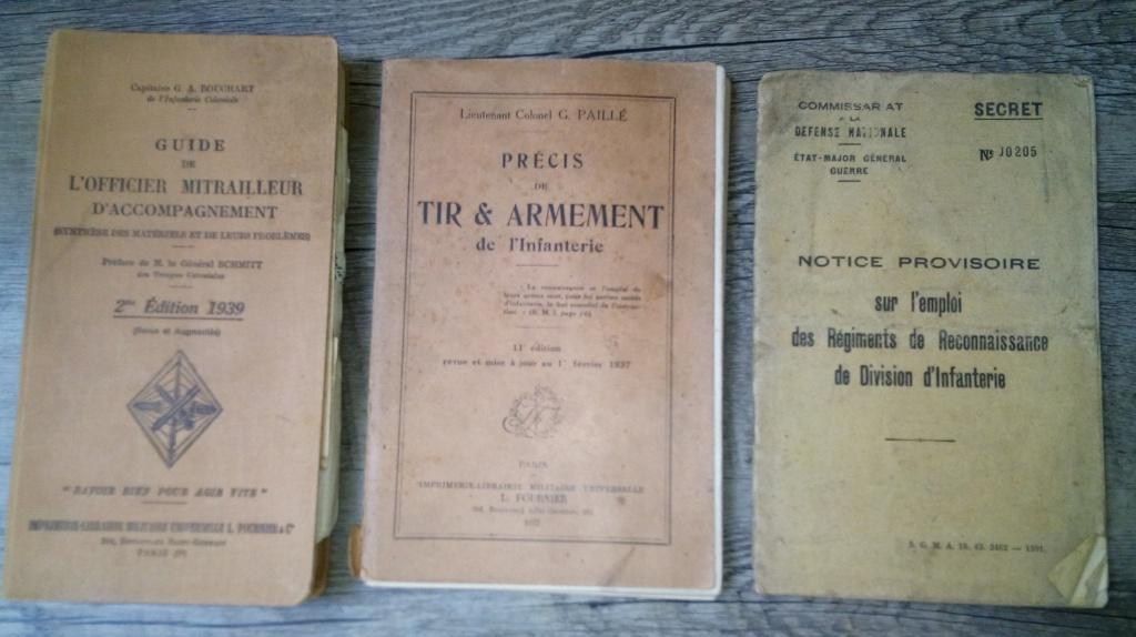 brocante...divers manuels, cartes postales aviation et autres,BDP et une suprise Img_2444
