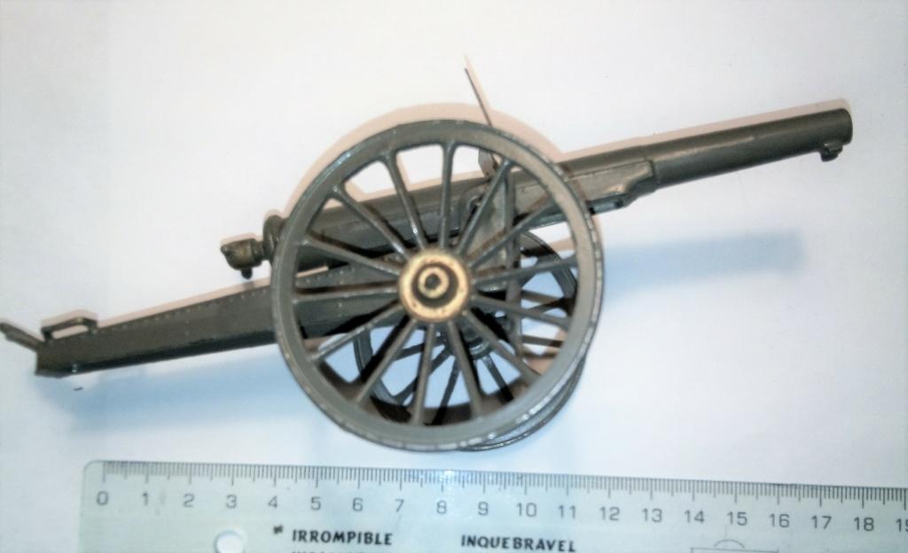 fabricant et datation canon jouet. Img_2589