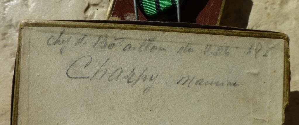 Croix de guerre 1939 avec une histoire....imprévue. P1070357