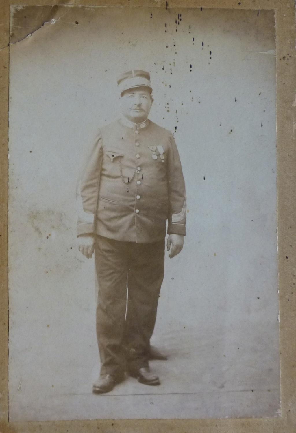 uniforme à identifier. P1070451