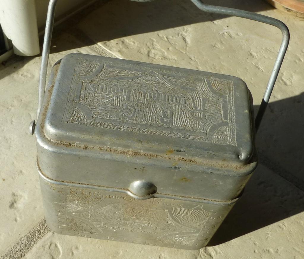 gamelle 35 gravée du 194 ème RALT   1940 P1070661