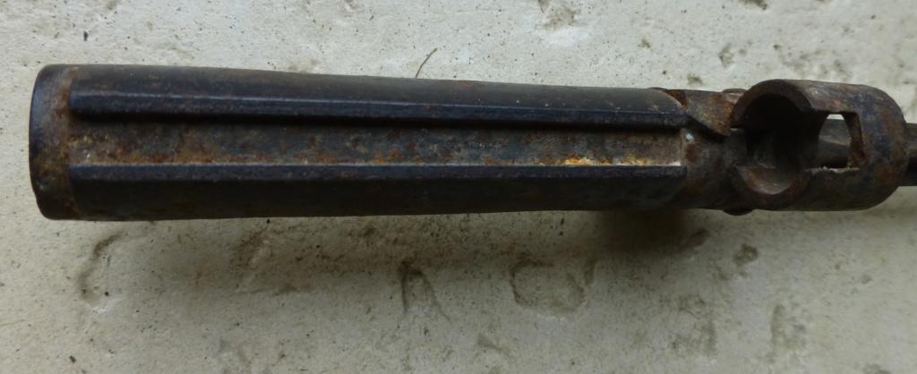 précisions sur une baïonnette 1886-15 P1070729