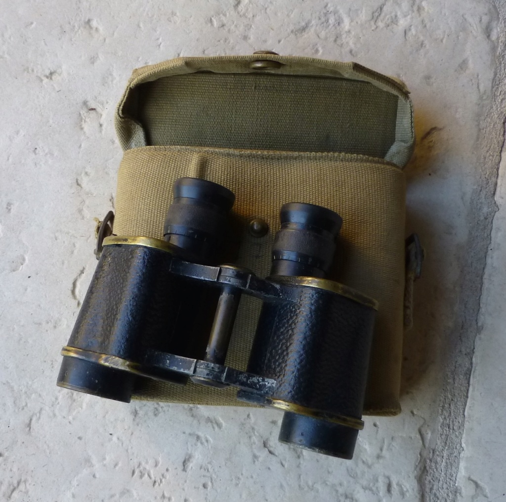 Jumelles militaires. P1070814