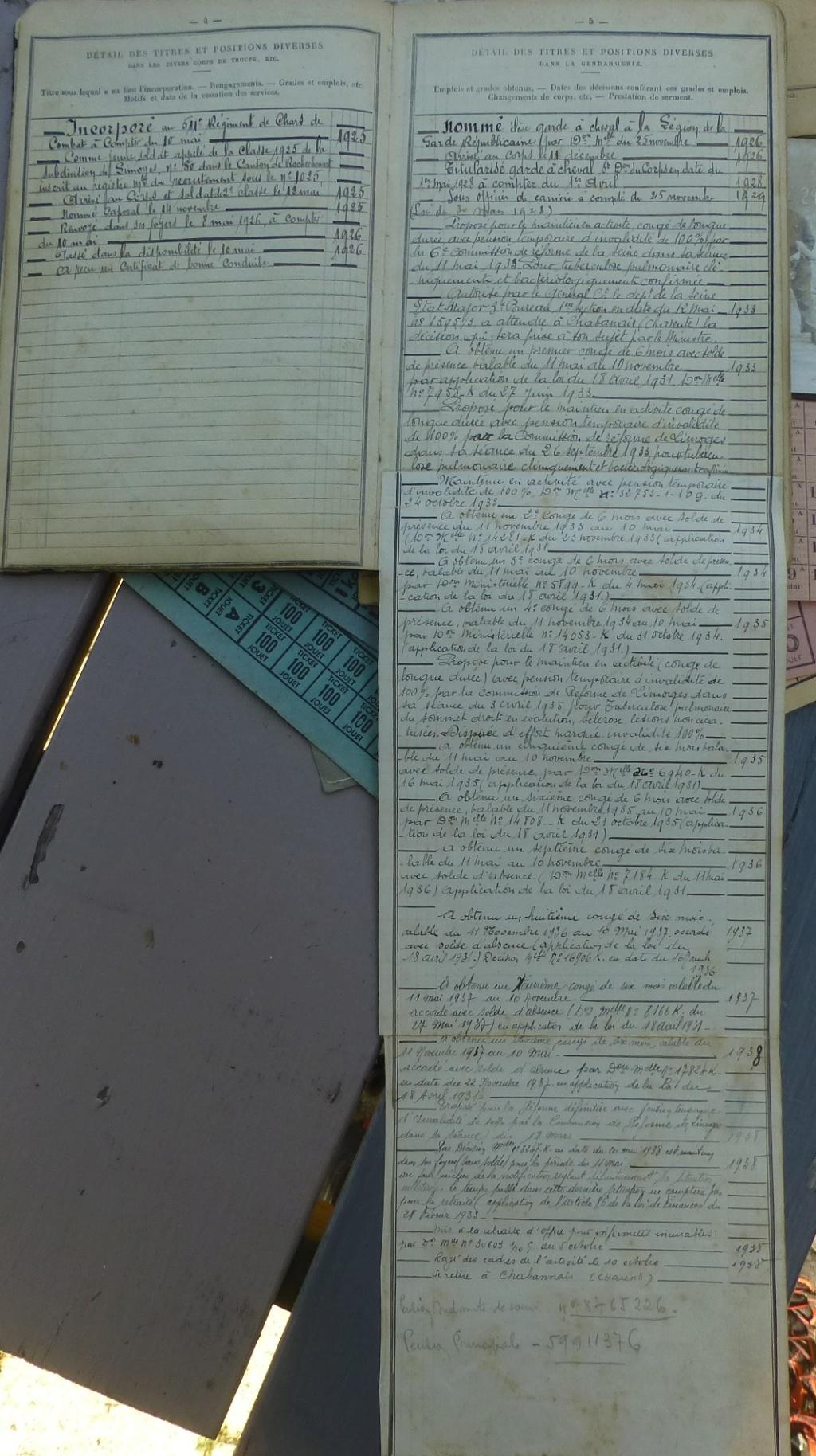 marine, casquette, papiers.... P1080265