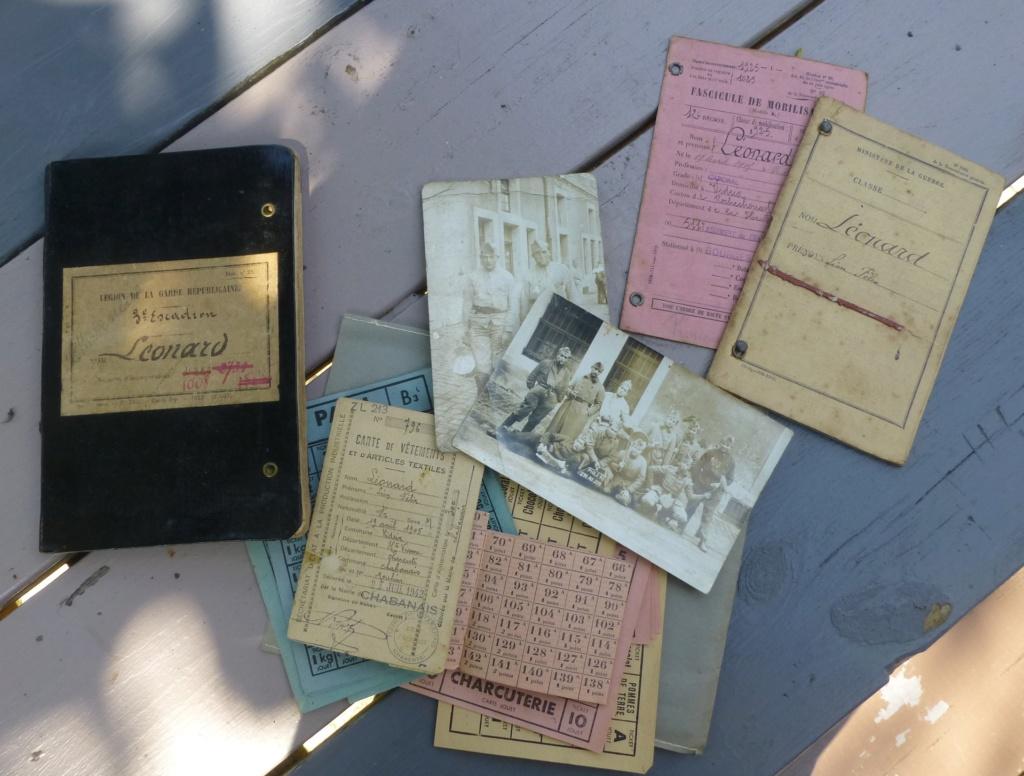 marine, casquette, papiers.... P1080267