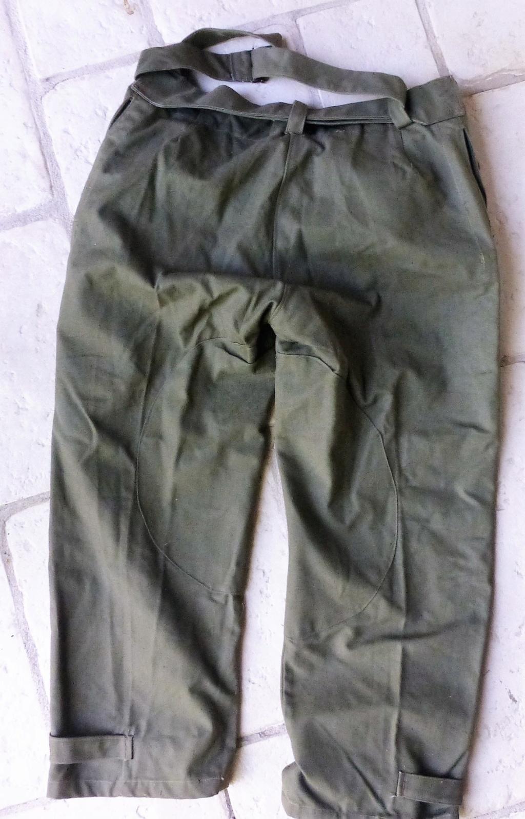 pantalon salopette mod 38 et insigne équipes nationales P1080314