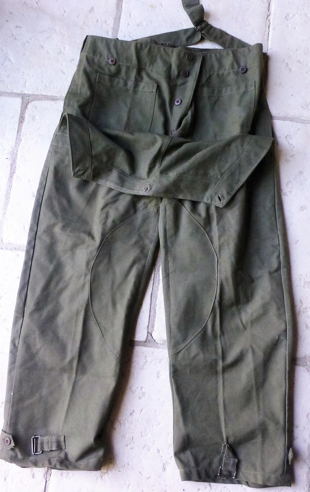 pantalon salopette mod 38 et insigne équipes nationales P1080315