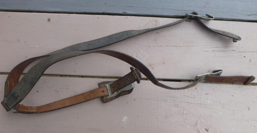 brelage léger, bidon, machette GB, cadre de décos..... P1080534