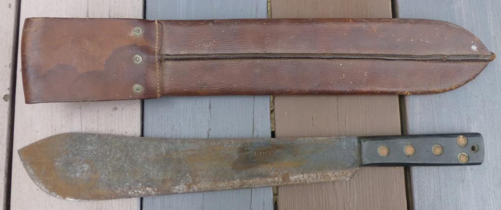 brelage léger, bidon, machette GB, cadre de décos..... P1080538