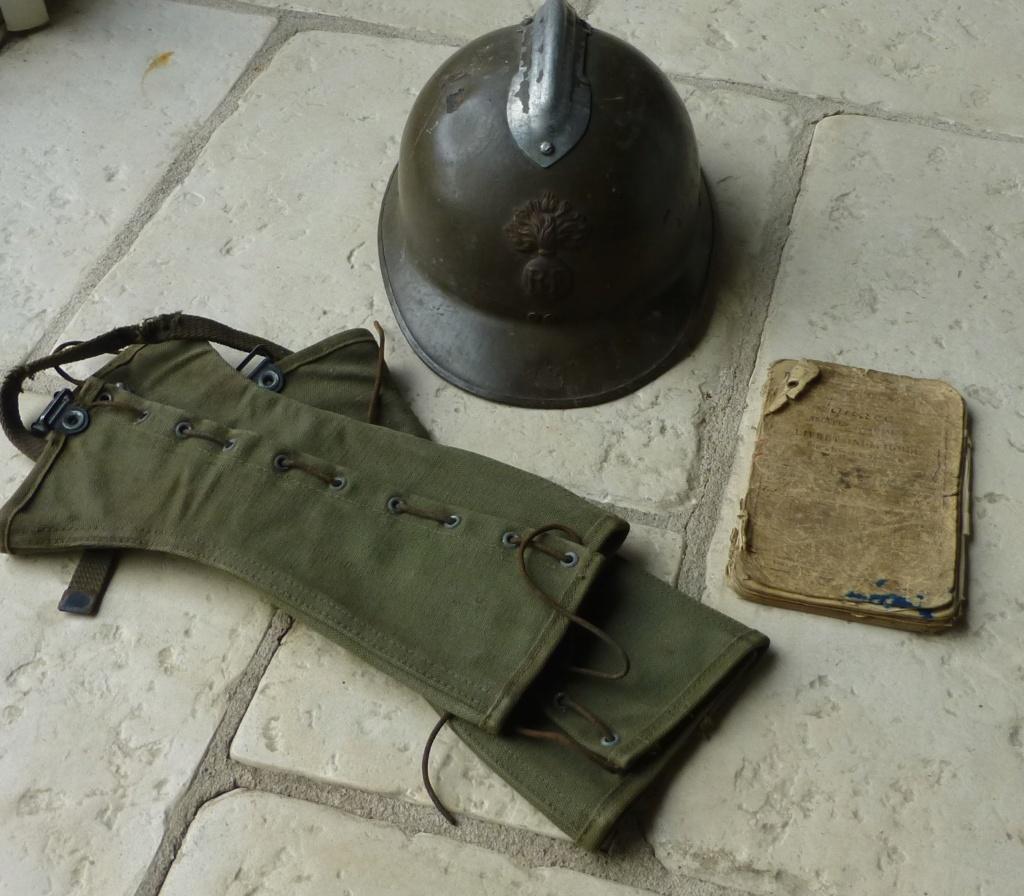 guetres mod 38, coque de 26, livret troupes coloniales. P1080922