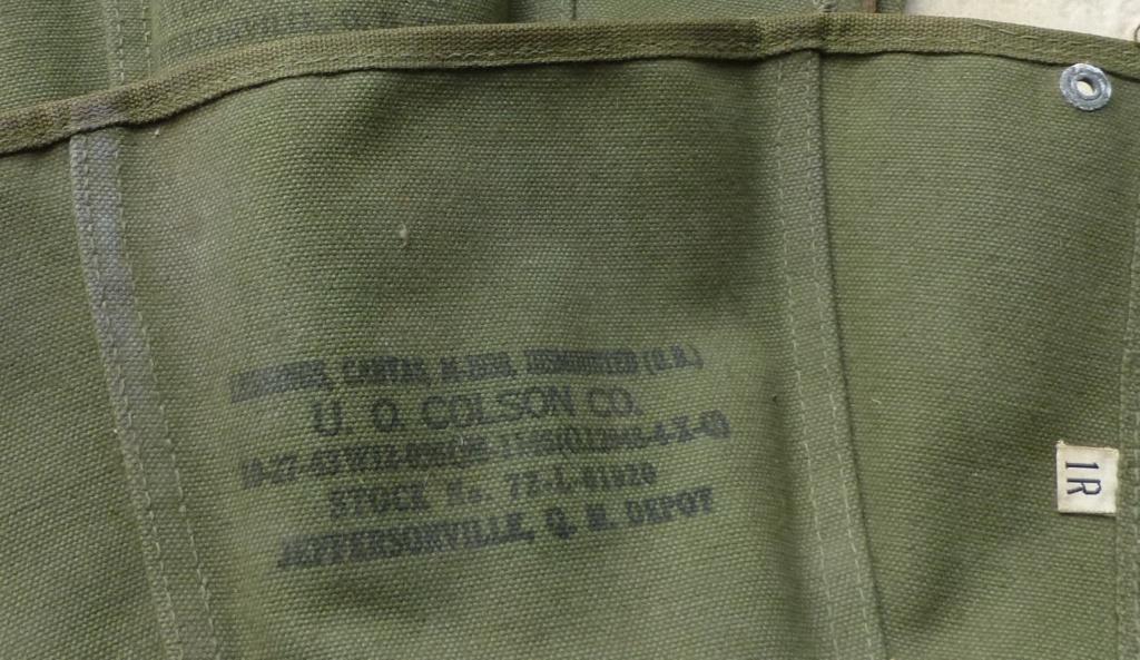 guetres mod 38, coque de 26, livret troupes coloniales. P1080923
