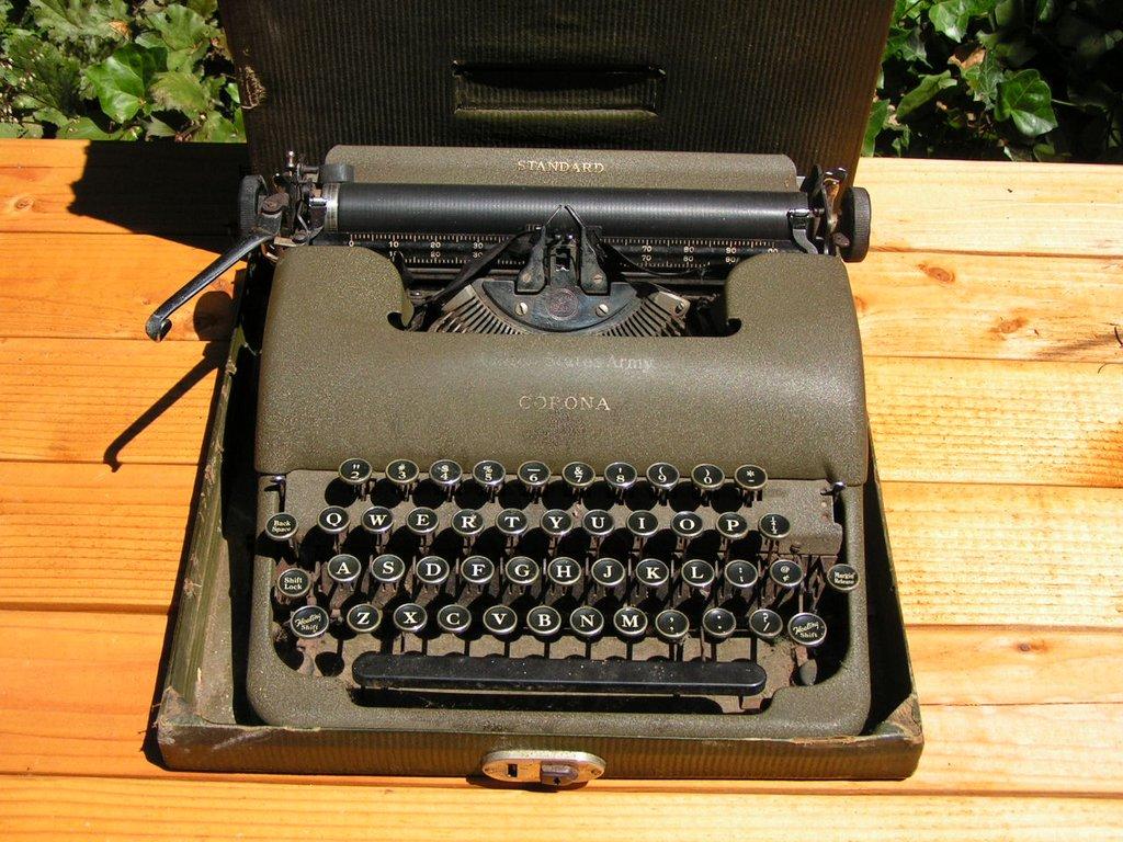 Machine à écrire us ww2 Pict0010