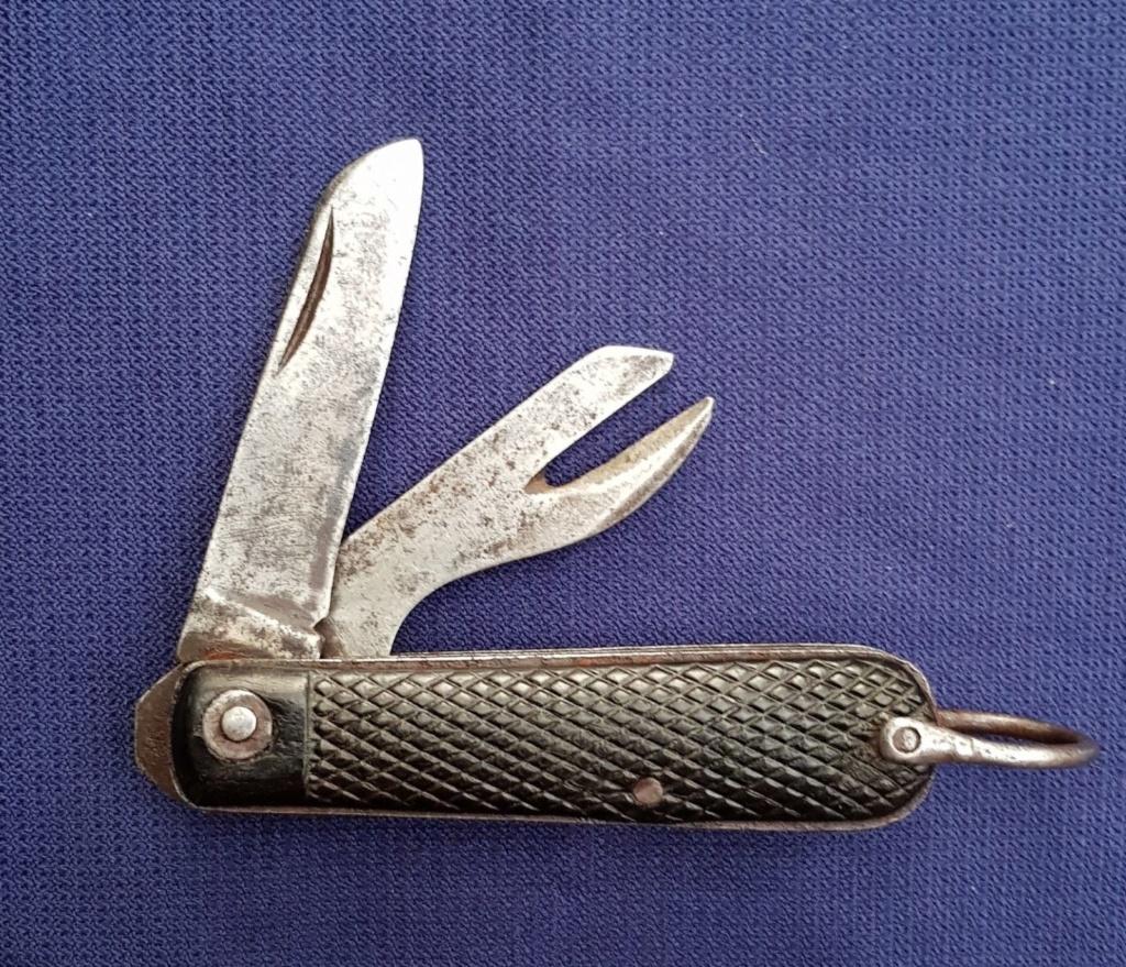 """Les """"jack knives"""", couteaux pliants du Tommy S-l16012"""