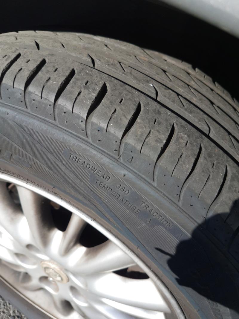 [V6 - 3.3 - 2004] - Les pneus - Avez vous essayé ceux la. Nokian SUV Line? - Page 2 Img_2039