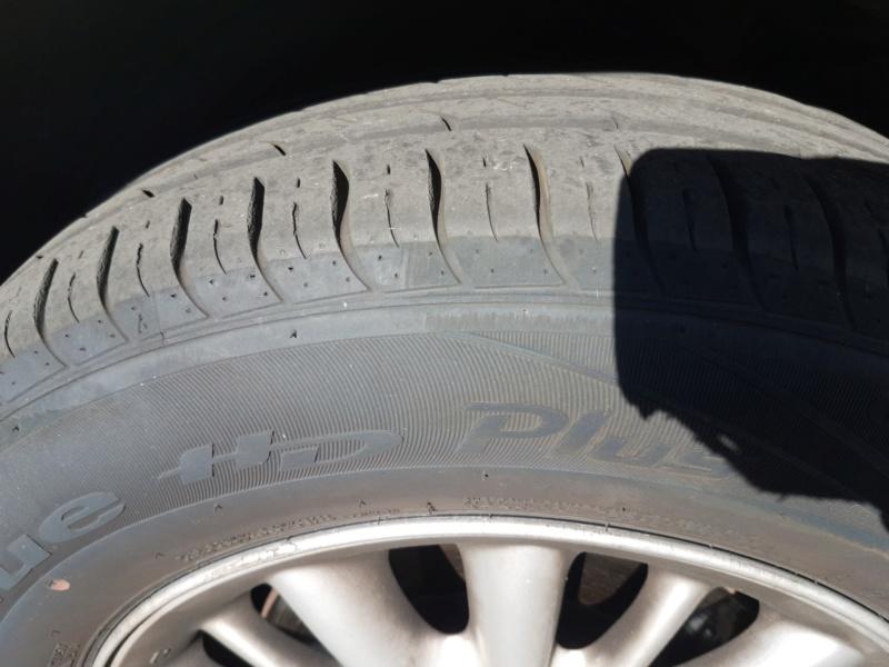 [V6 - 3.3 - 2004] - Les pneus - Avez vous essayé ceux la. Nokian SUV Line? - Page 2 Img_2040