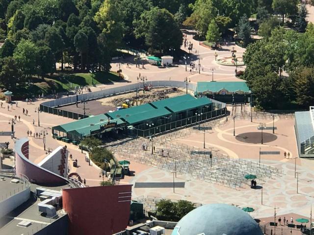 Toll Plaza (péage du Parking des Parcs) et tapis roulants - Page 24 Eevgda10