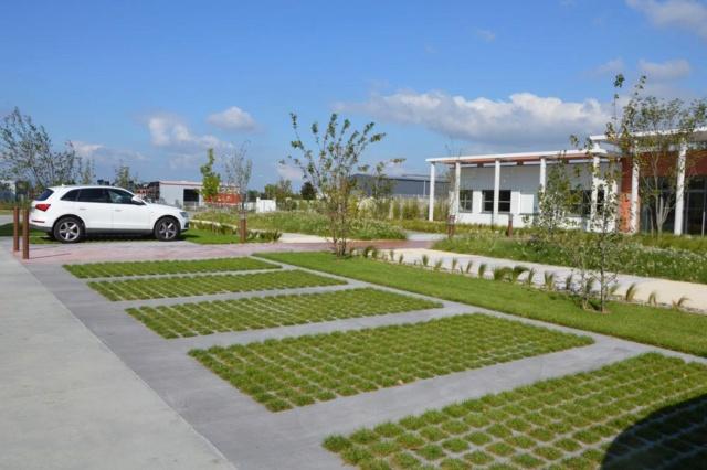 Centrale photovoltaïques sur le parking visiteur (Avancement du chantier p.13) - Page 13 Viaver11
