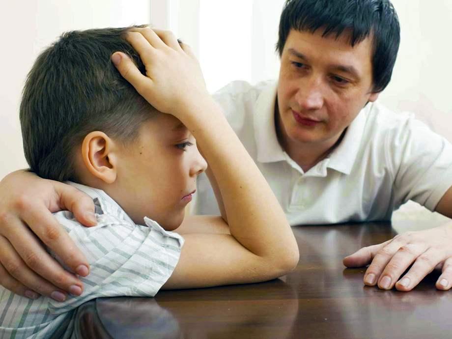 هل يجوز أن يعتذر الوالدان للطفل؟ 10201810