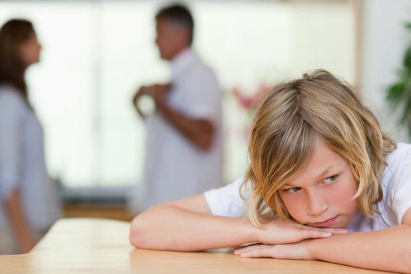 كيف يكون الوالدان قدوة مؤثرة لأطفالهما في المستقبل؟ 32977210