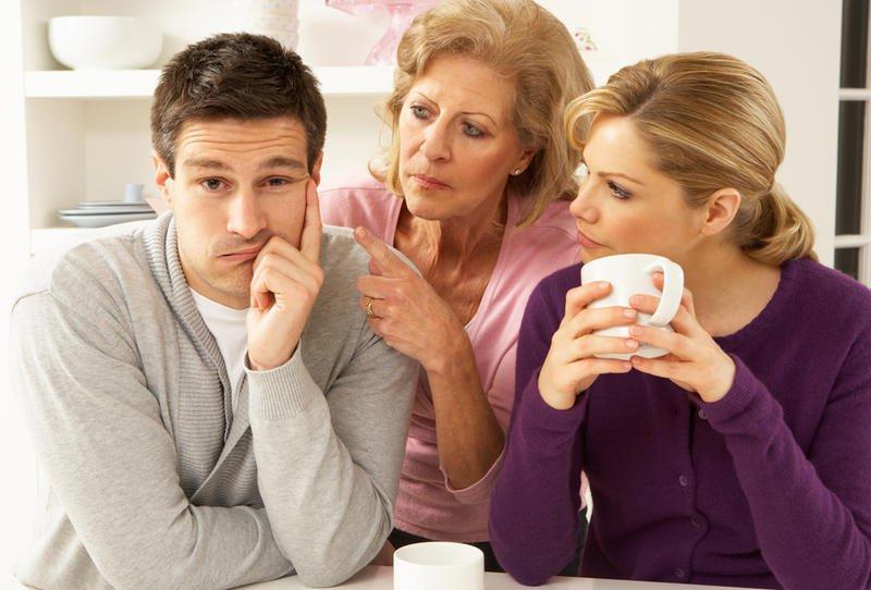 أمور ترفض الزوجة أن يتدخل فيها الزوج 48442210