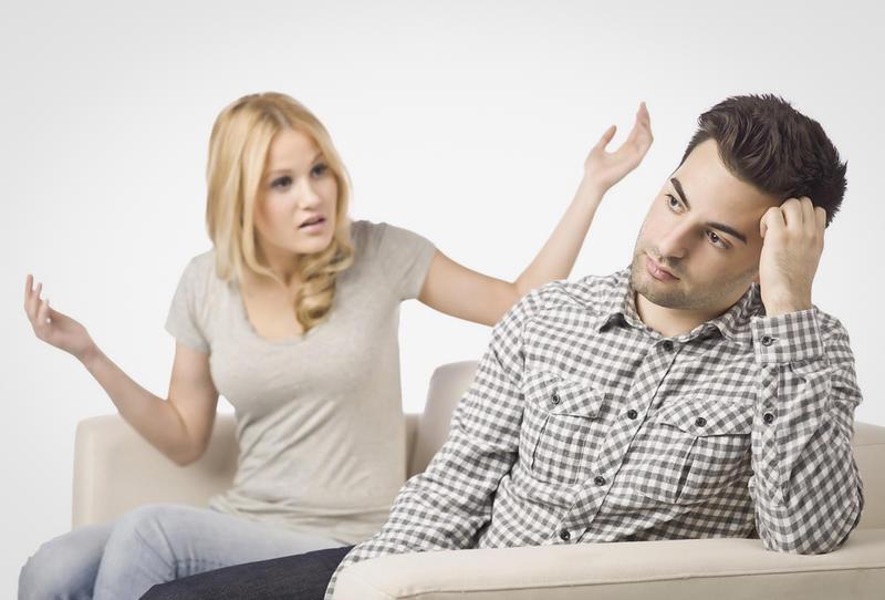 كيف تتعاملين مع زوجك المتنمر؟ 61806210
