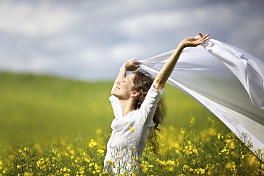 نصائح للتغلّب على الهموم لحياة أكثر سعادة 77767510