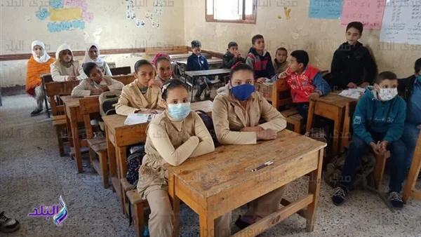 التعليم: توقف الدراسة قرار سيادي لم يصدر حتى الآن.. والعام الدراسي سيستمر حتى لو المدارس مغلقة 841_we10