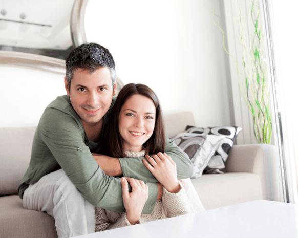 عدم إهمال العلاقة الحميمة سرّ الزواج الناجح Couple10